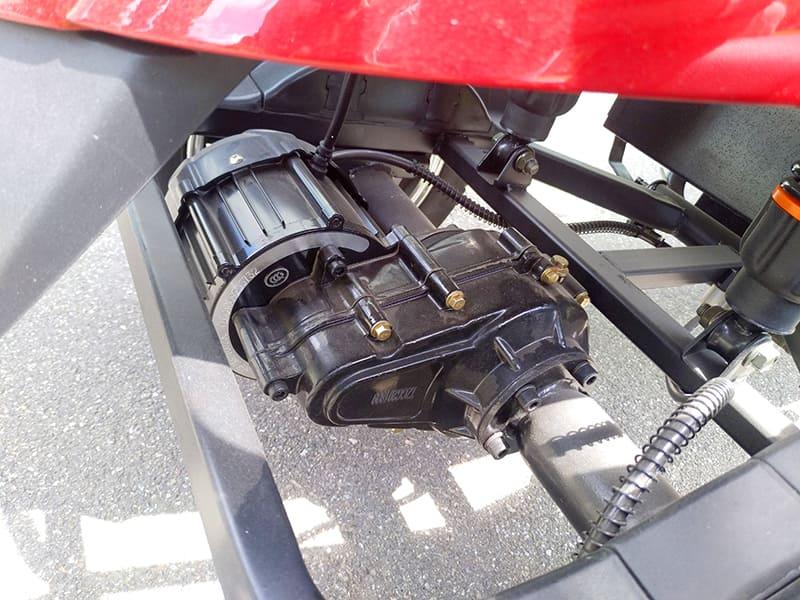 Электродвигатель четырехколесного электроскутера Electrowin ES-135