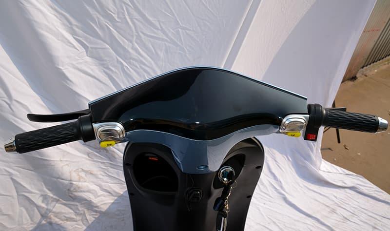 Руль и панель управления электромопеда Electrowin iMi