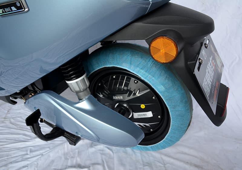 Заднее колесо с аммортизатором и электродвигателем электроскутера Electrowin iMi
