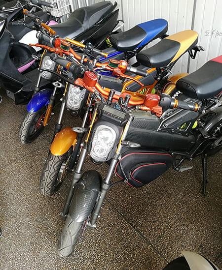 Электромотоцикл Electrowin EBM-126, складной, черный. Фото 4