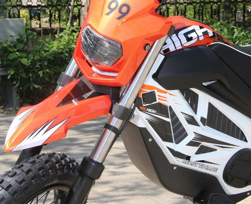 Передние фары и вилка оранжевого электромотоцикла Electrowin EMB-188