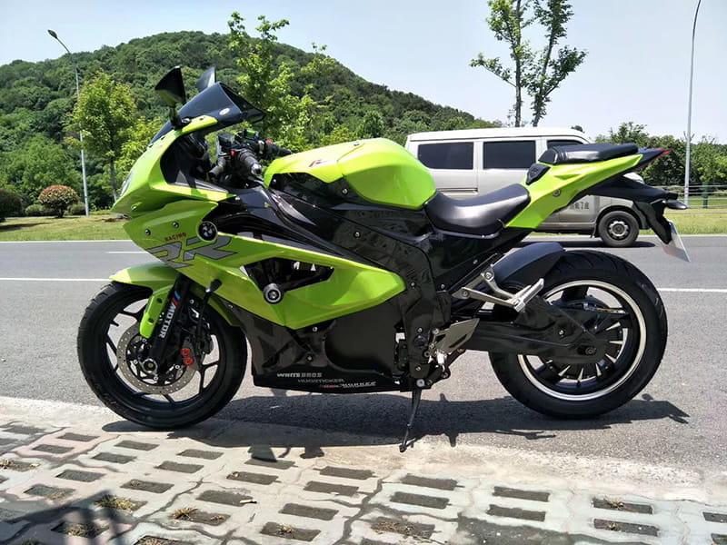 Электромотоцикл Electrowin EM-BM, зеленый. Вид слева