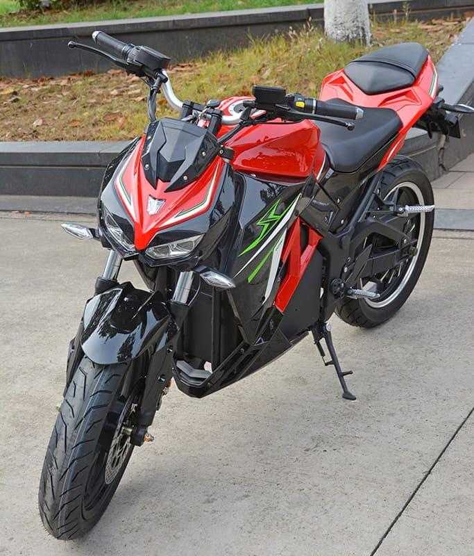 Электромотоцикл Electrowin EM-130, красный, вид спереди слева