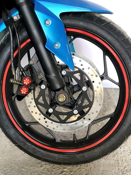 Электромотоцикл Electrowin EM-120 синий. Переднее колесо
