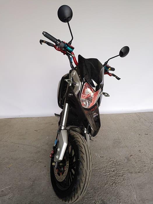 Электрический мотоцикл Electrowin EM-126 черный с вывернутым рулем