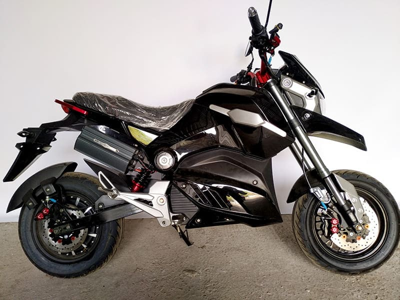 Электромотоцикл Electrowin EM-126 черный, вид справа