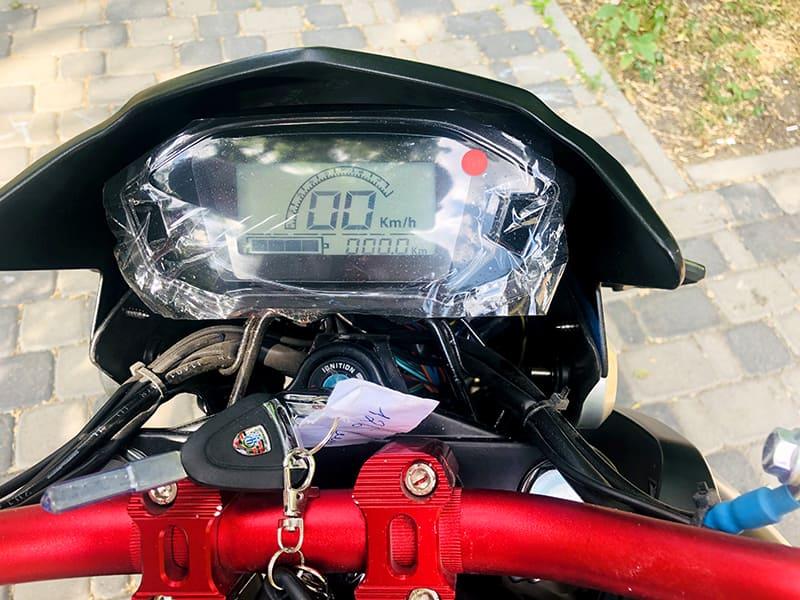 Информационный экран электромотоцикла Electrowin EM-126