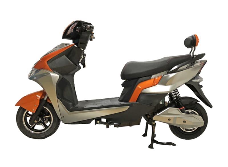 Электрический скутер Electrowin EM-2200 оранжевого цвета, левый профиль