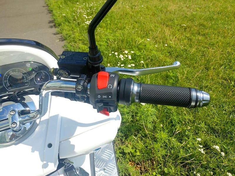 Правая ручка руля электрического макси-скутера Electrowin T-3 Maxi