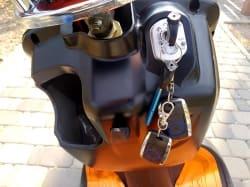 Электроскутер Electrowin ZUMA, ячейка и ключи для включения электродвигателя
