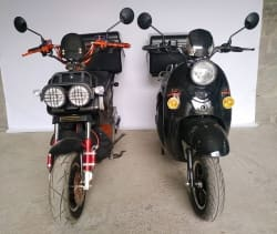 Электроскутеры Electrowin EM-2160 и Zuma черного цвета