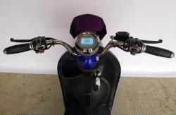 Электроскутер Electrowin EM-2160, руль с экраном и элементами управления