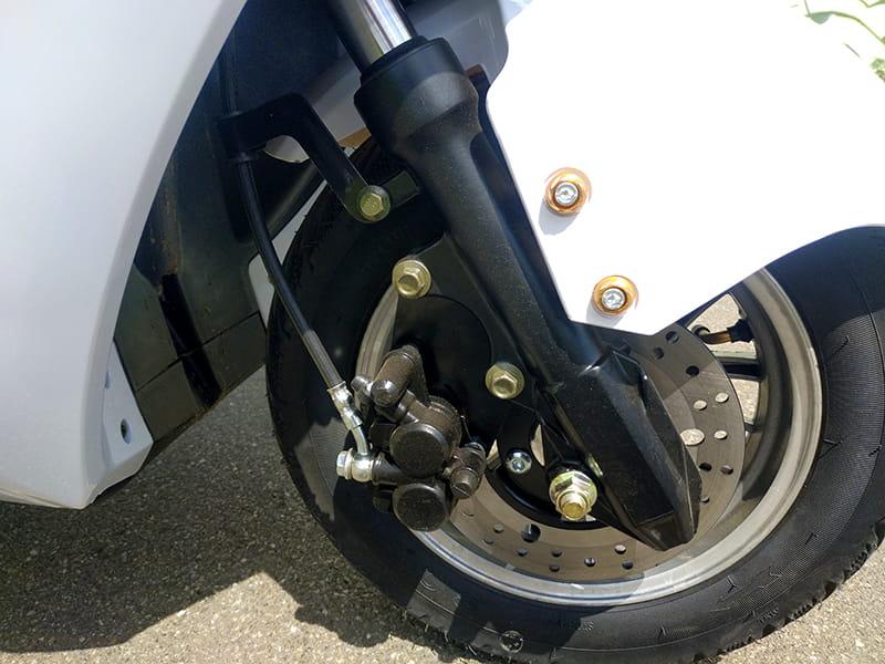 Переднее колесо с тормозами электротрицикла Electrowin EM-2100