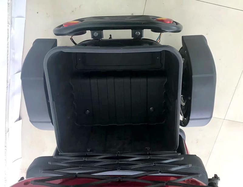 Трехколесный электроскутер Electrowin ETB-122, большой багажник