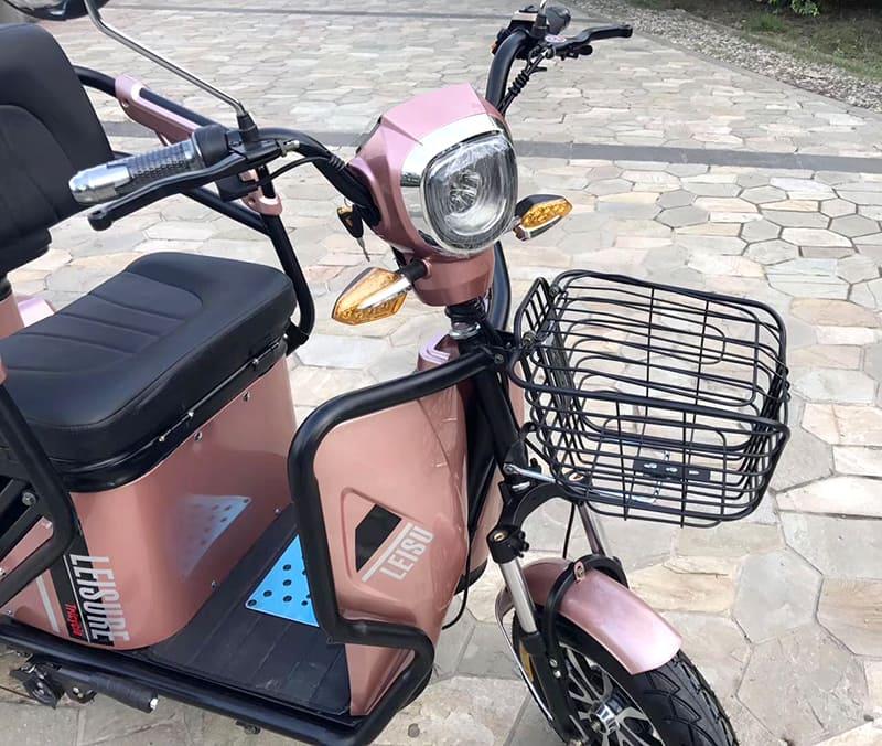 Electrowin TES-121, розовый, передняя фара, руль и передний багажник